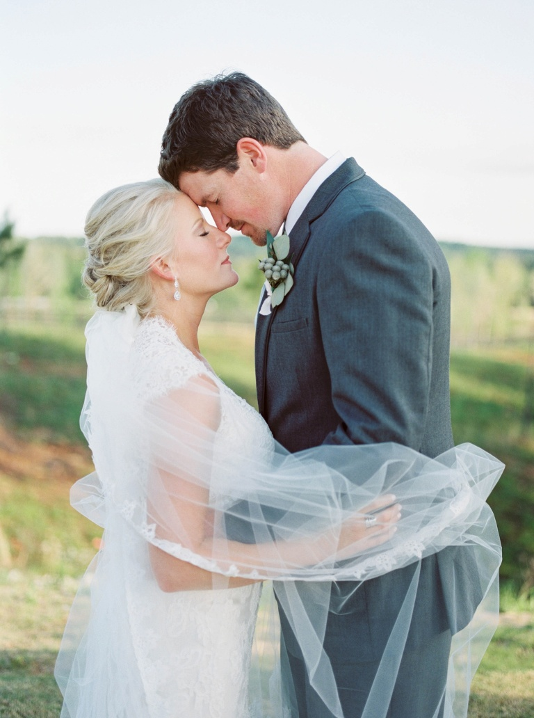 Denver Co Mountain Wedding by Denver Colorado wedding photographer Amanda Berube Photography